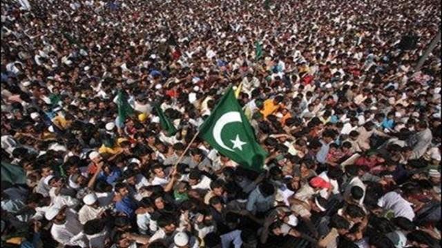 pakistan-flag2-640x388
